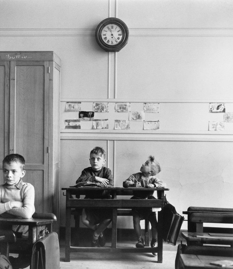 Robert Doisneau, Le cadran scolaire, Paris 1956