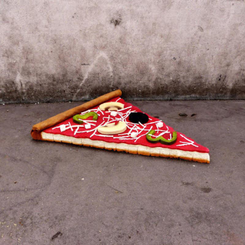 Eat me, pizza, (c) Lor-K, tous droits réservés
