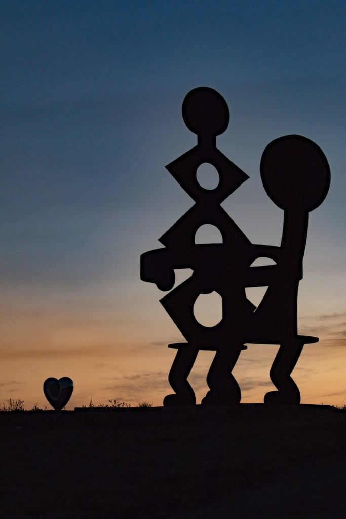 Keith Haring, King and Queen (1987), (c) Photo by Gregory Gorman, Image courtesy Donum Sculpture Collection