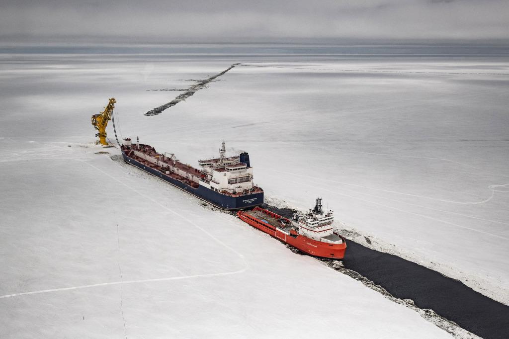Terminal Arctic Gate situé dans le golfe d'Ob, près du cap Kamenny (Russie). Péninsule de Yamal, avril 2018