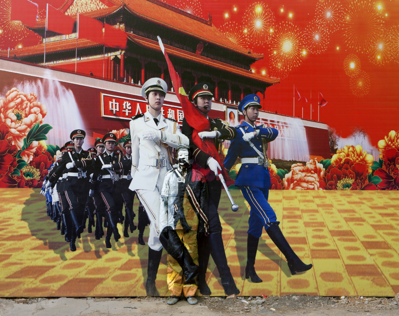 Liu Bolin, Hiding in the City 99, Three Goddesses, 2012 - Exposition, Liu Bilin, Ghost Stories a la Maison Europenne de la Photographie