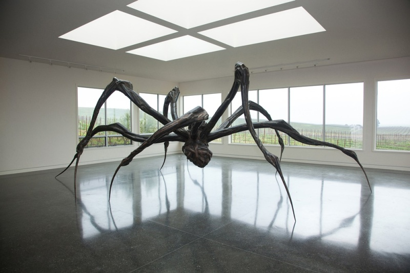 Louise Bourgeois, Crouching Spider (2003), (c) Photo by Robert Berg, Image courtesy Donum Sculpture Collection