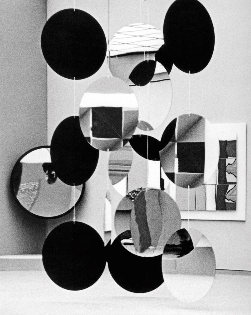 Exhibition view: WEGE UND EXPERIMENTE, Kunsthaus Zürich, 1968CHRISTIAN MEGERT, 5 chains each with 5 round mirrors (each mirror: ø 100 cm)détruit/distroyed