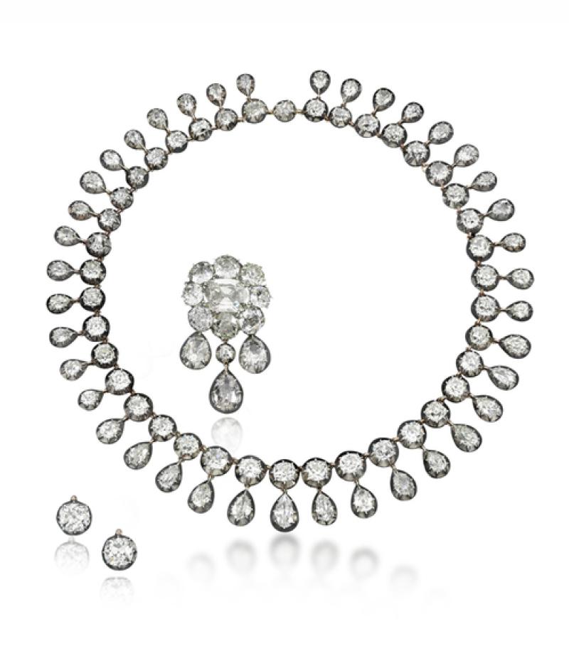 Une parure de 95 diamants ayant appartenue à Marie-Antoinette, Estimation $ 300,000 – 500,000 (c) Sotheby's
