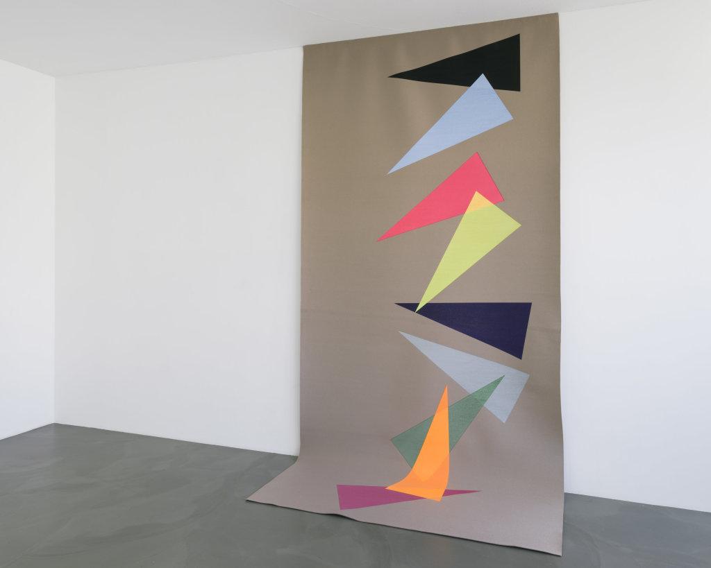 Vue de l'exposition Delphine Coindet, Ventile, 2018 - Le Portique centre régional d'art contemporain du Havre (23)