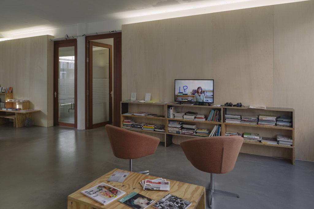 Vue de l'exposition Delphine Coindet, Ventile, 2018 - Le Portique centre régional d'art contemporain du Havre (26)
