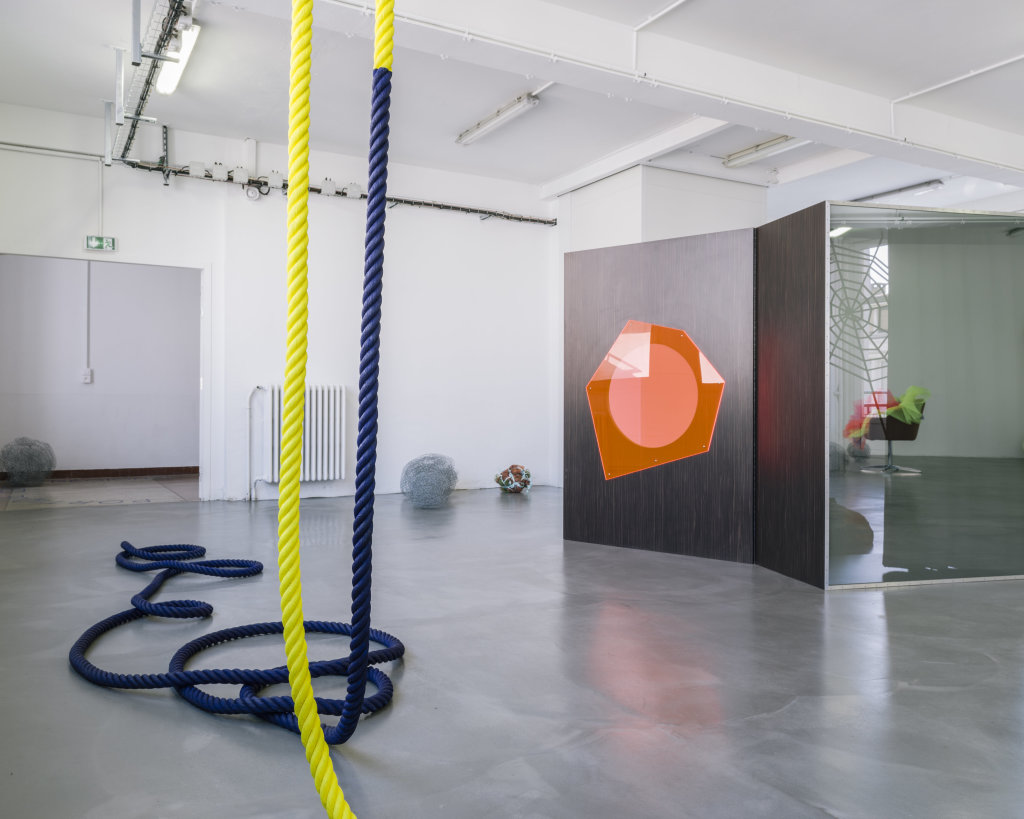 Vue de l'exposition Delphine Coindet, Ventile, 2018 - Le Portique centre régional d'art contemporain du Havre (4)