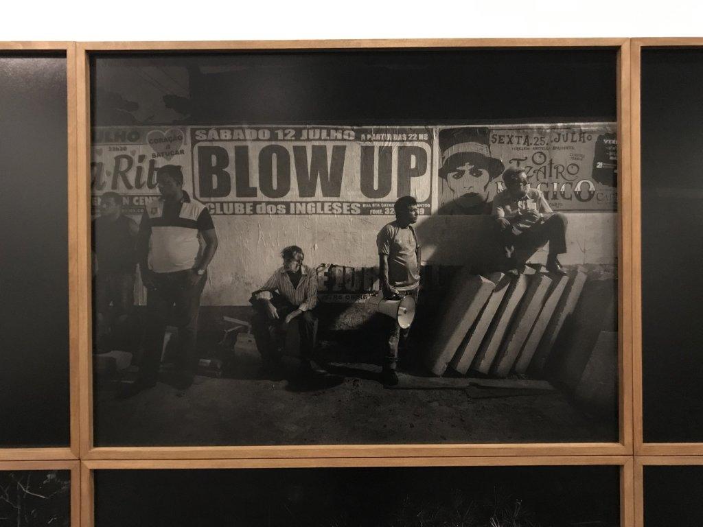 Vue de l'exposition Alex Majoli, scene - Le Bal - Paris (1)