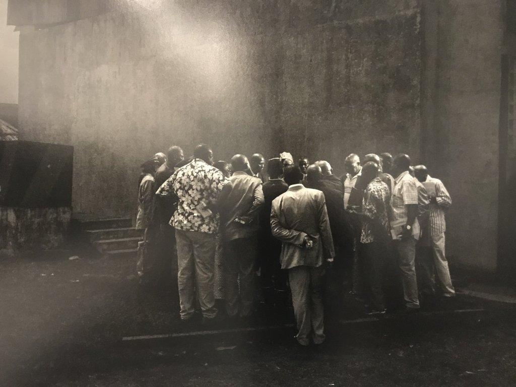 Vue de l'exposition Alex Majoli, scene - Le Bal - Paris (17)