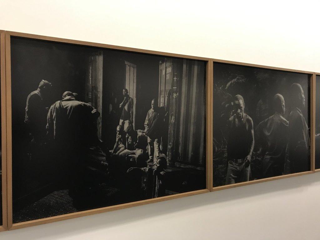 Vue de l'exposition Alex Majoli, scene - Le Bal - Paris (18)