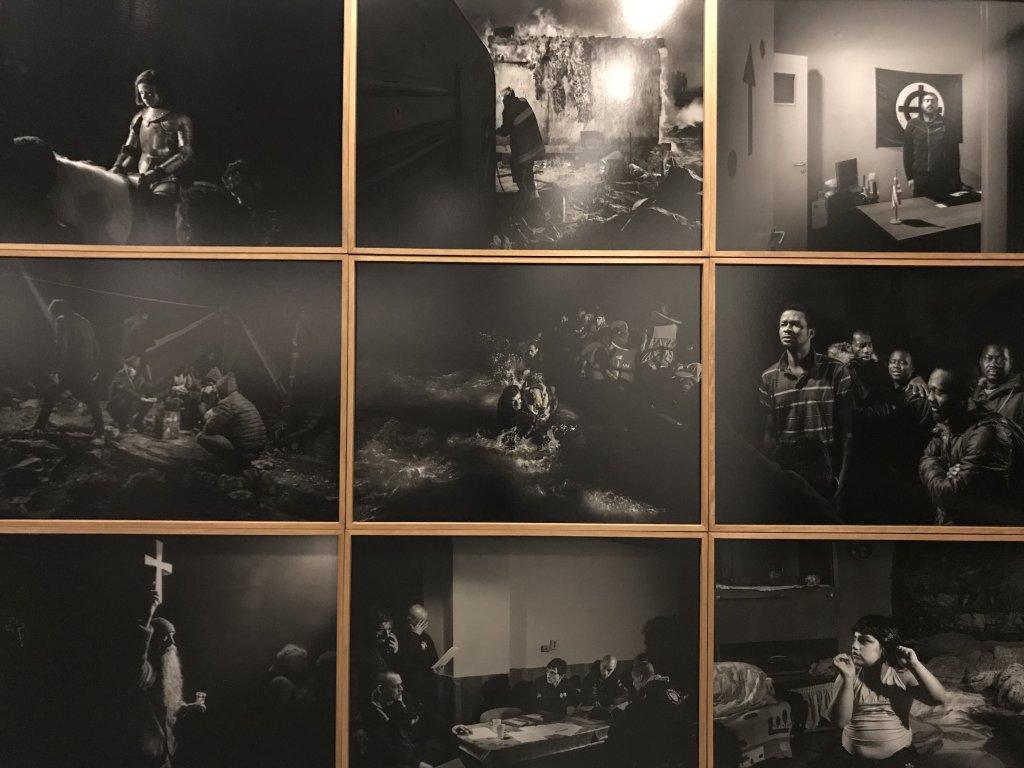 Vue de l'exposition Alex Majoli, scene - Le Bal - Paris (24)