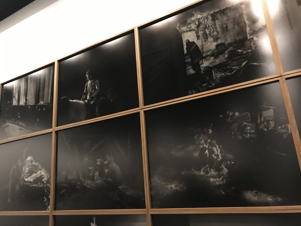 Vue de l'exposition Alex Majoli, scene - Le Bal - Paris (25)