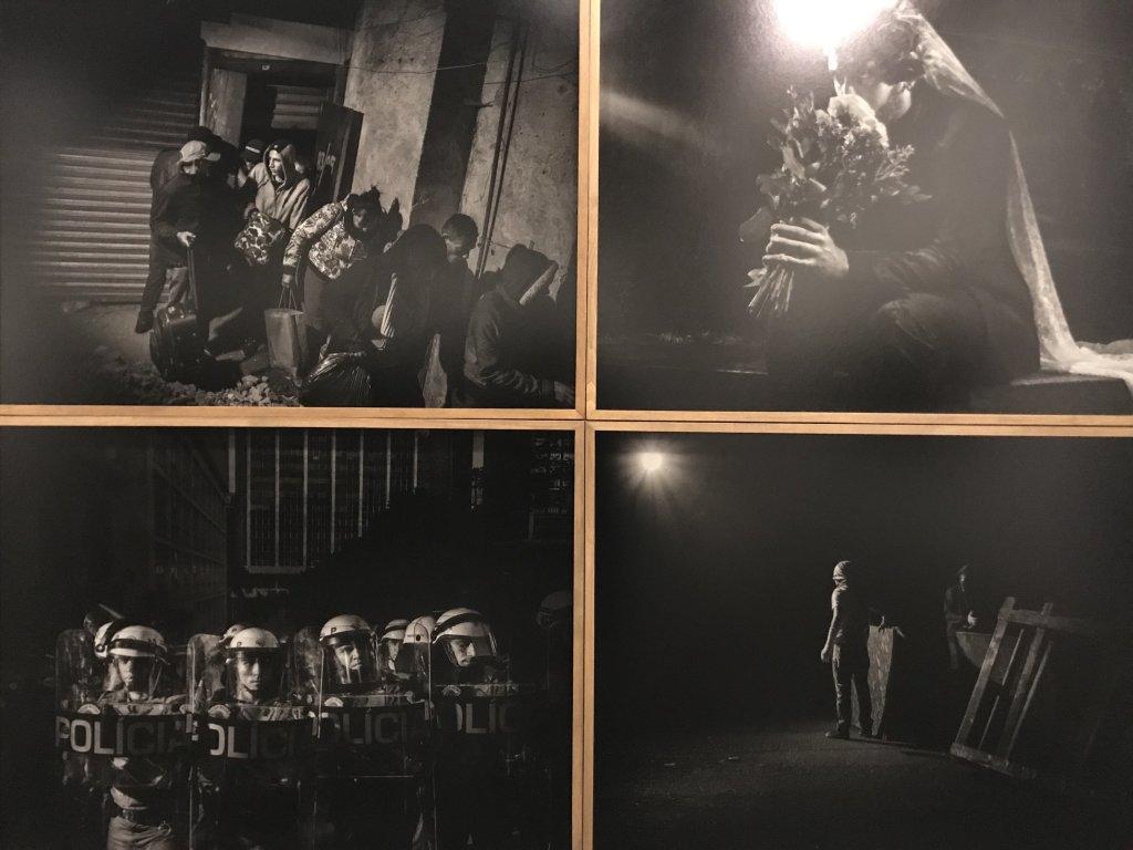 Vue de l'exposition Alex Majoli, scene - Le Bal - Paris (9)