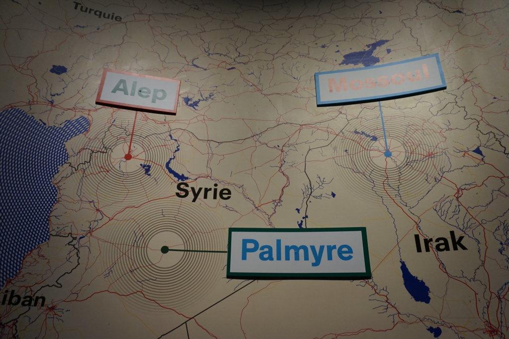 Vue de l'exposition Cités Milénaires, voyage virtuel de Palmyre à Mossoul - Institut du Monde Arabe