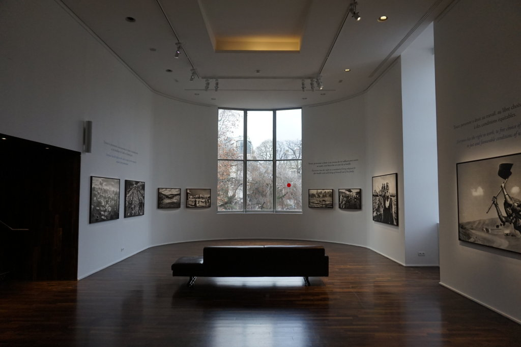 Vue de l'exposition Déclarations, Sebastião Salgado, Musée de l'Homme, Paris (10)