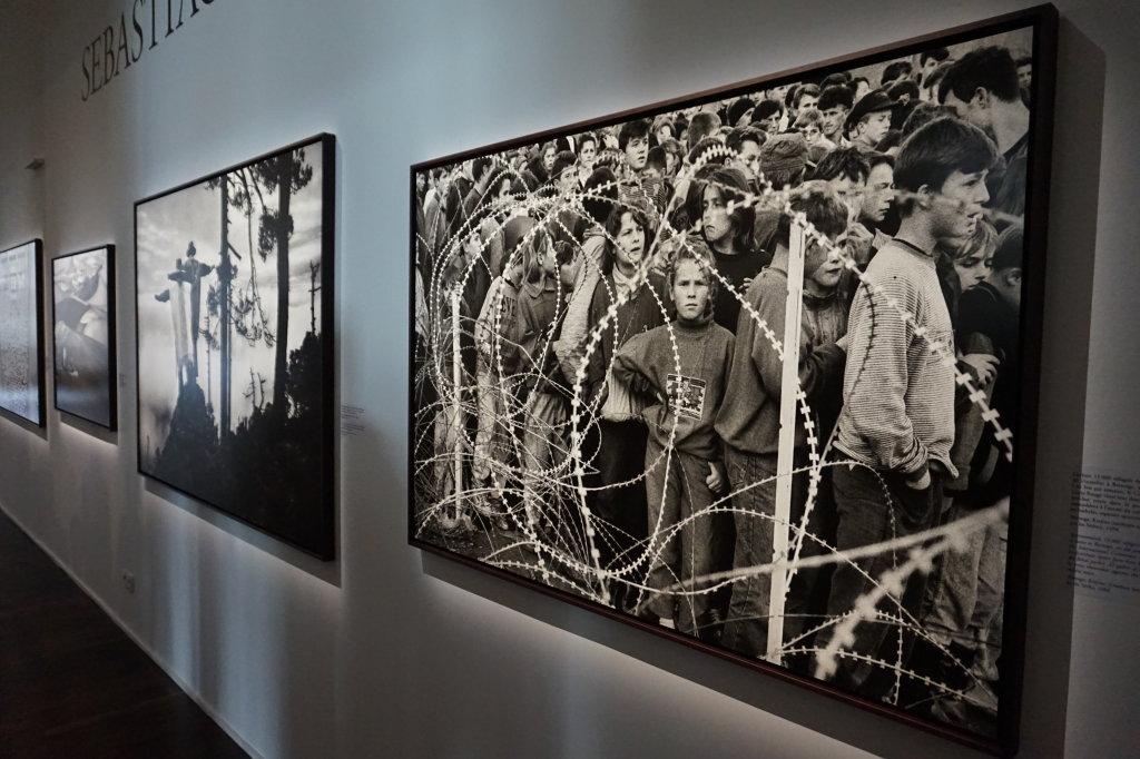Vue de l'exposition Déclarations, Sebastião Salgado, Musée de l'Homme, Paris (12)