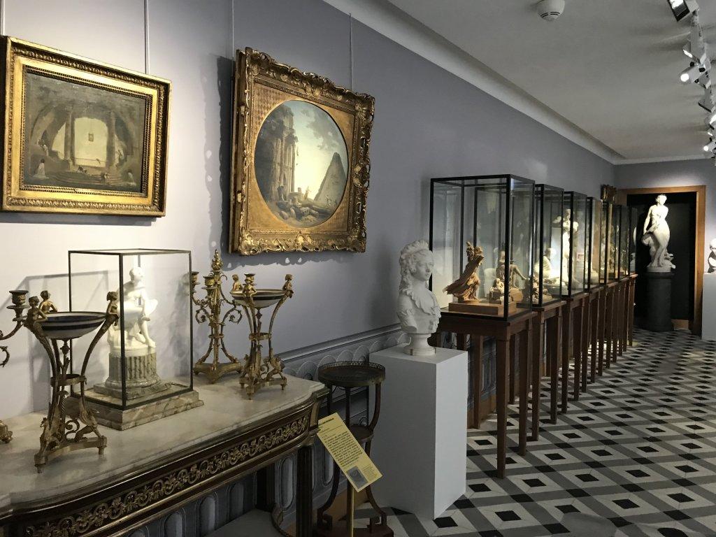 Vue de l'exposition La Fabrique du Luxe - Musée Cognacq-Jay (30)