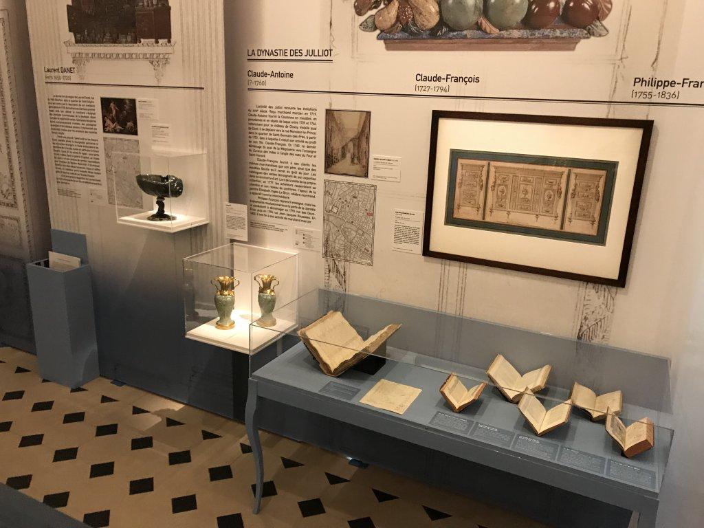 Vue de l'exposition La Fabrique du Luxe - Musée Cognacq-Jay (45)