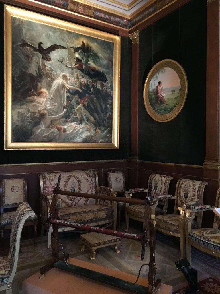 Vue de l'exposition Meubles à Secrets secrets de meubles - Château La Malmaison (15)