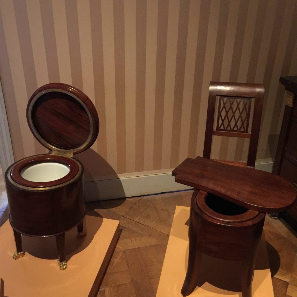 Vue de l'exposition Meubles à Secrets secrets de meubles - Château La Malmaison (18)