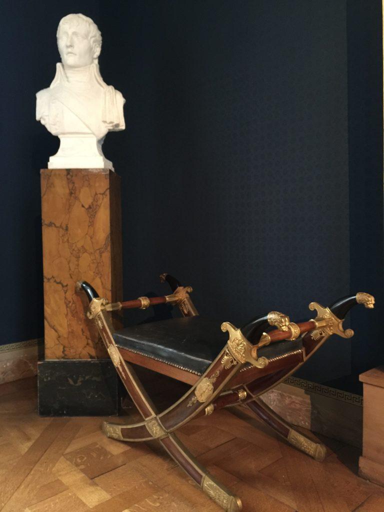 Vue de l'exposition Meubles à Secrets secrets de meubles - Château La Malmaison (21)