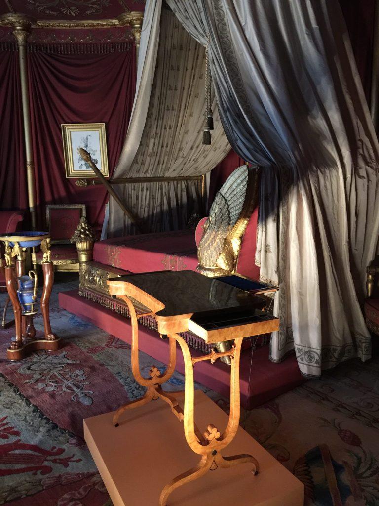 Vue de l'exposition Meubles à Secrets secrets de meubles - Château La Malmaison (26)
