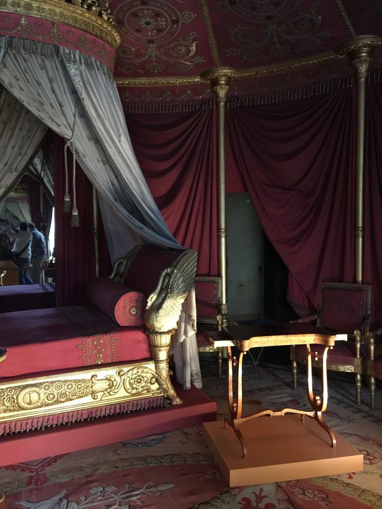 Vue de l'exposition Meubles à Secrets secrets de meubles - Château La Malmaison (27)