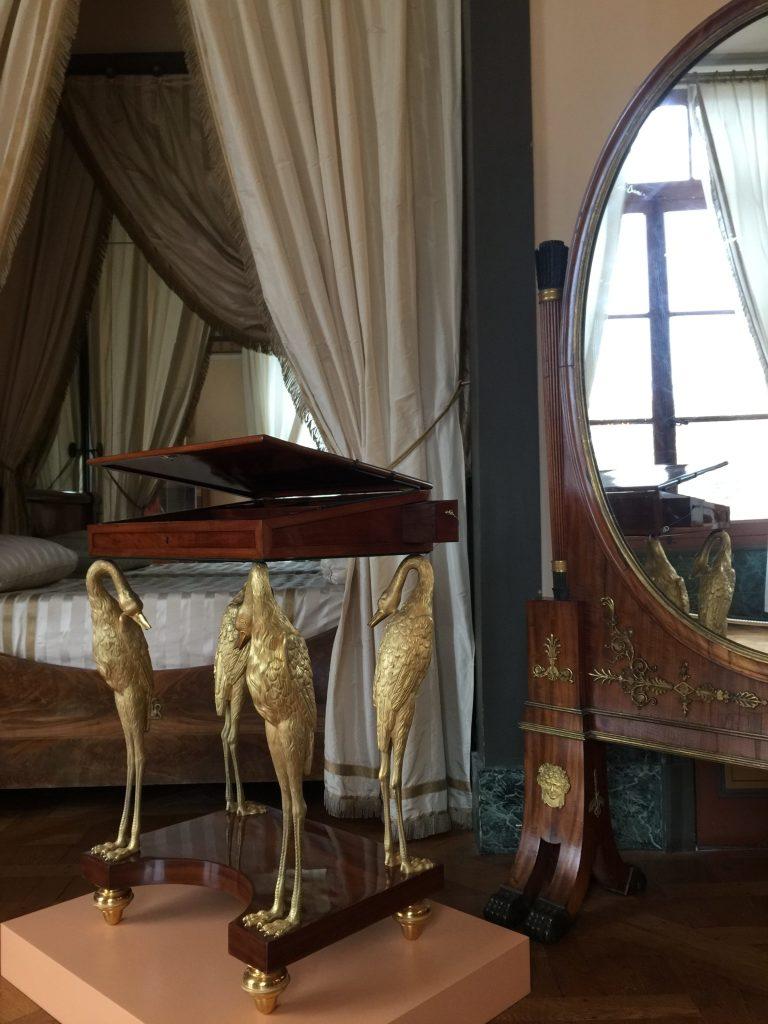 Vue de l'exposition Meubles à Secrets secrets de meubles - Château La Malmaison (28)