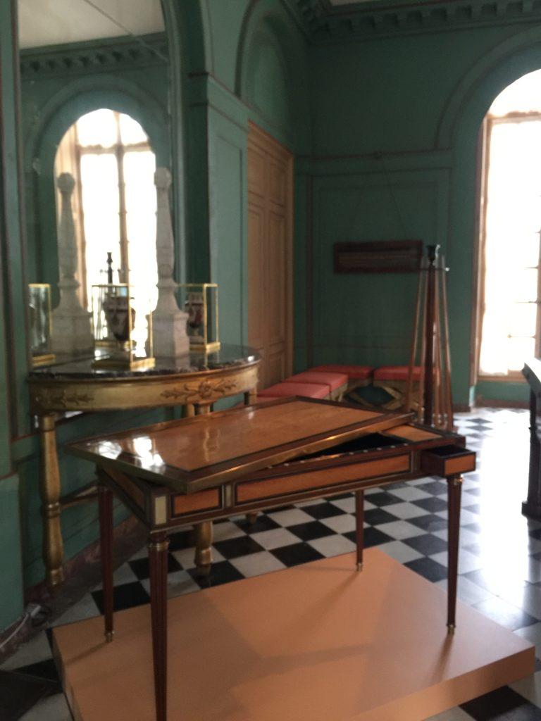 Vue de l'exposition Meubles à Secrets secrets de meubles - Château La Malmaison (3)