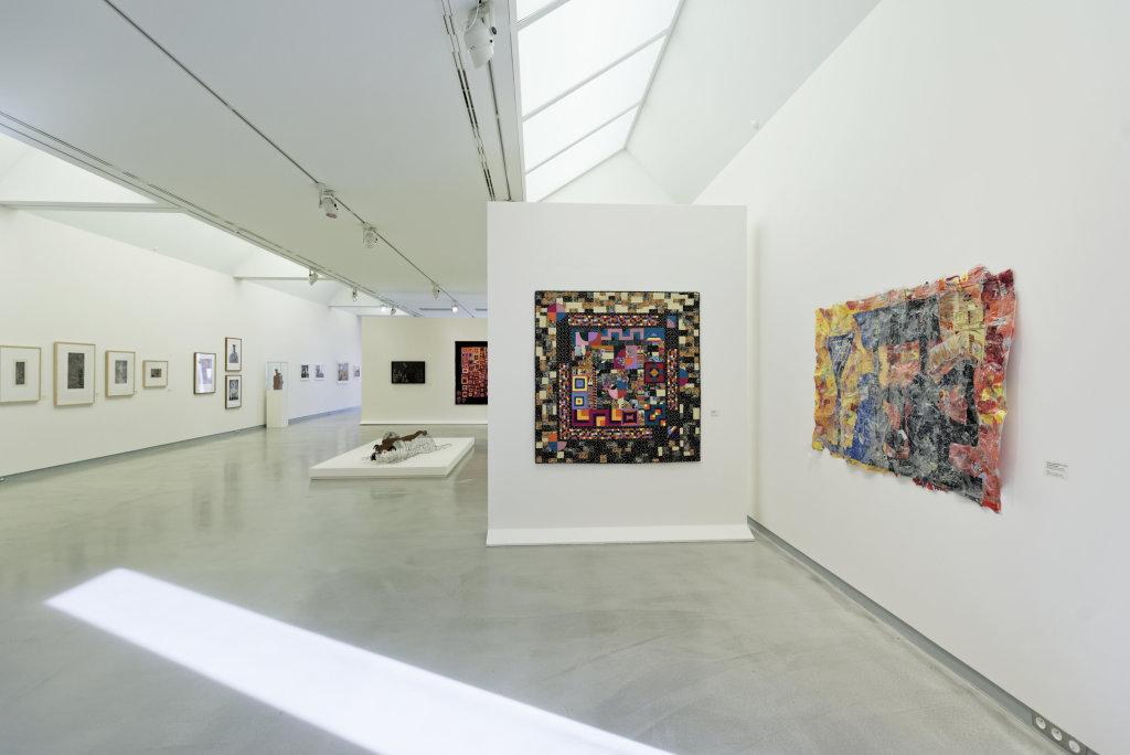 Vue de l'exposition Namibia, l'art d'une jeune géNérATION - Musée Würth (10)
