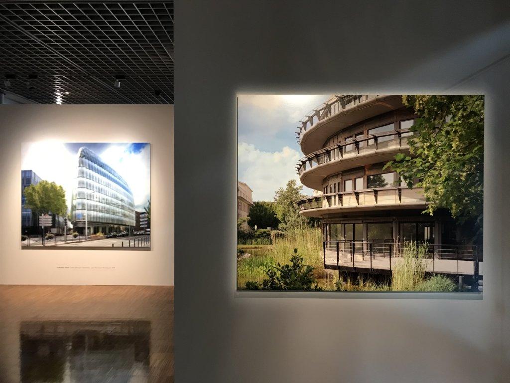 Vue de l'exposition Paysages d'architecture, une promenade à Issy par Raymond Depardon - Musée français de la Carte à Jouer (12)