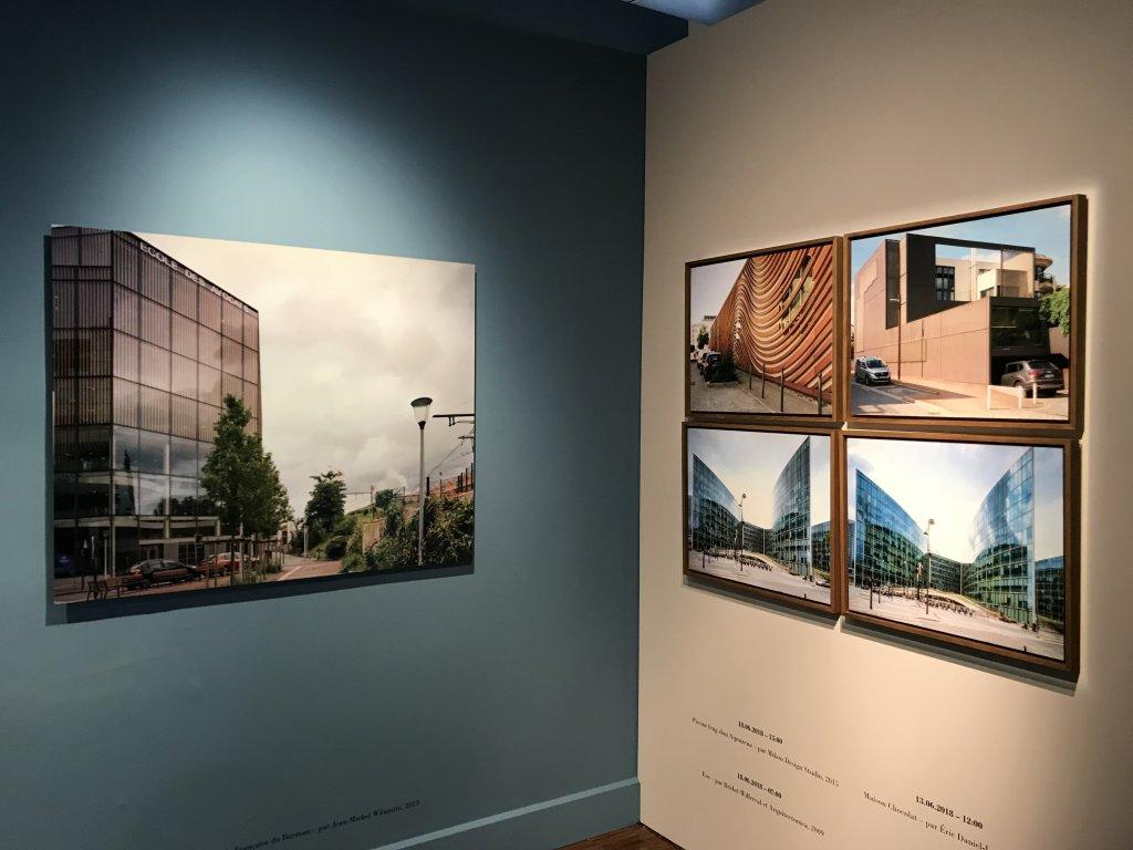 Vue de l'exposition Paysages d'architecture, une promenade à Issy par Raymond Depardon - Musée français de la Carte à Jouer (15)