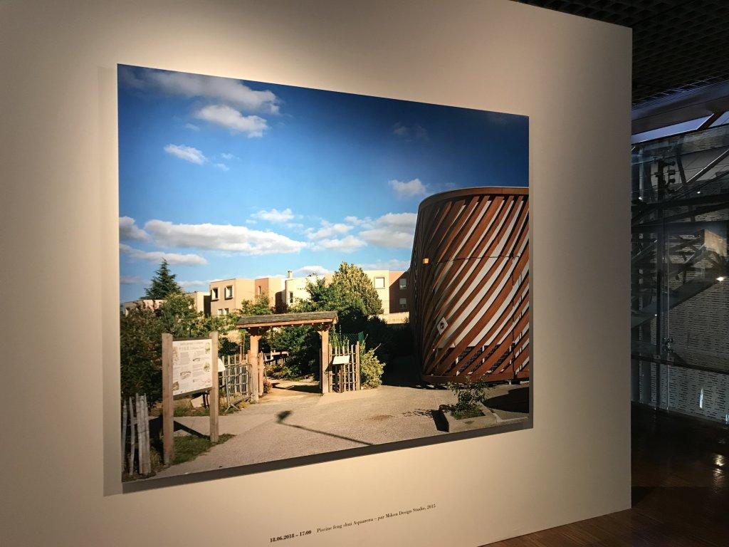 Vue de l'exposition Paysages d'architecture, une promenade à Issy par Raymond Depardon - Musée français de la Carte à Jouer (24)