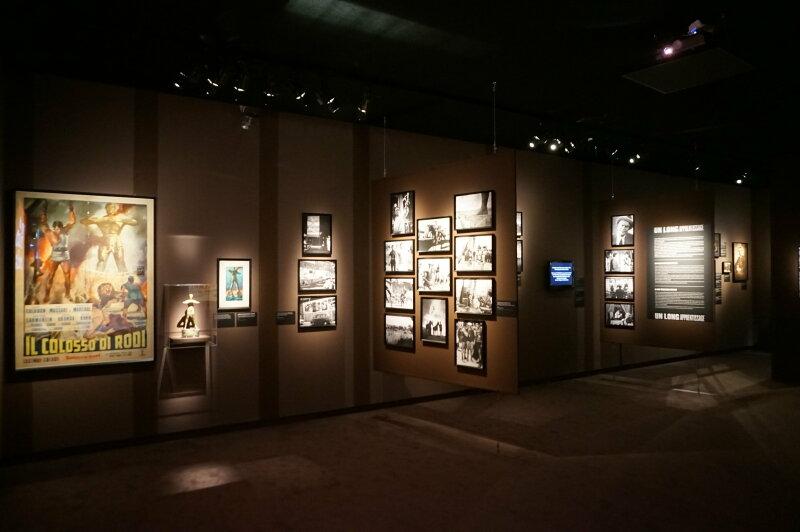 Vue de l'exposition Sergio Leone à la Cinémathèque (43)