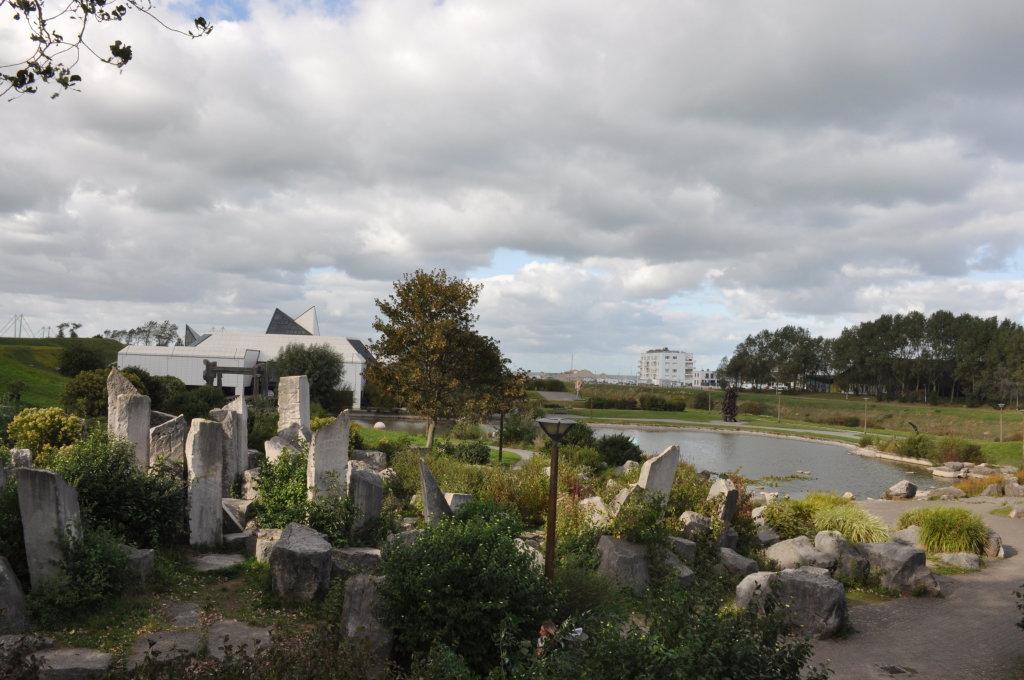 Vue du Jardin de sculptures, LAAC
