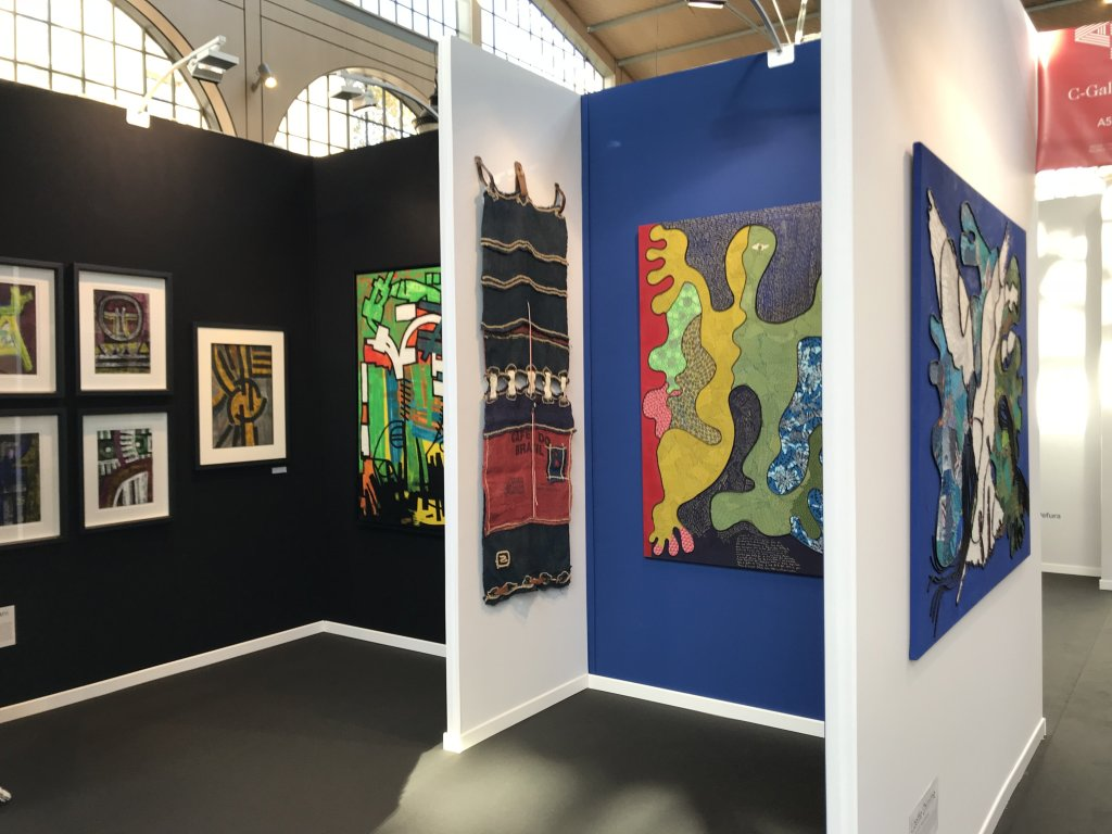 Vue du salon AKAA, Also Known as Africa 2018 - Carreau du Temple (22)