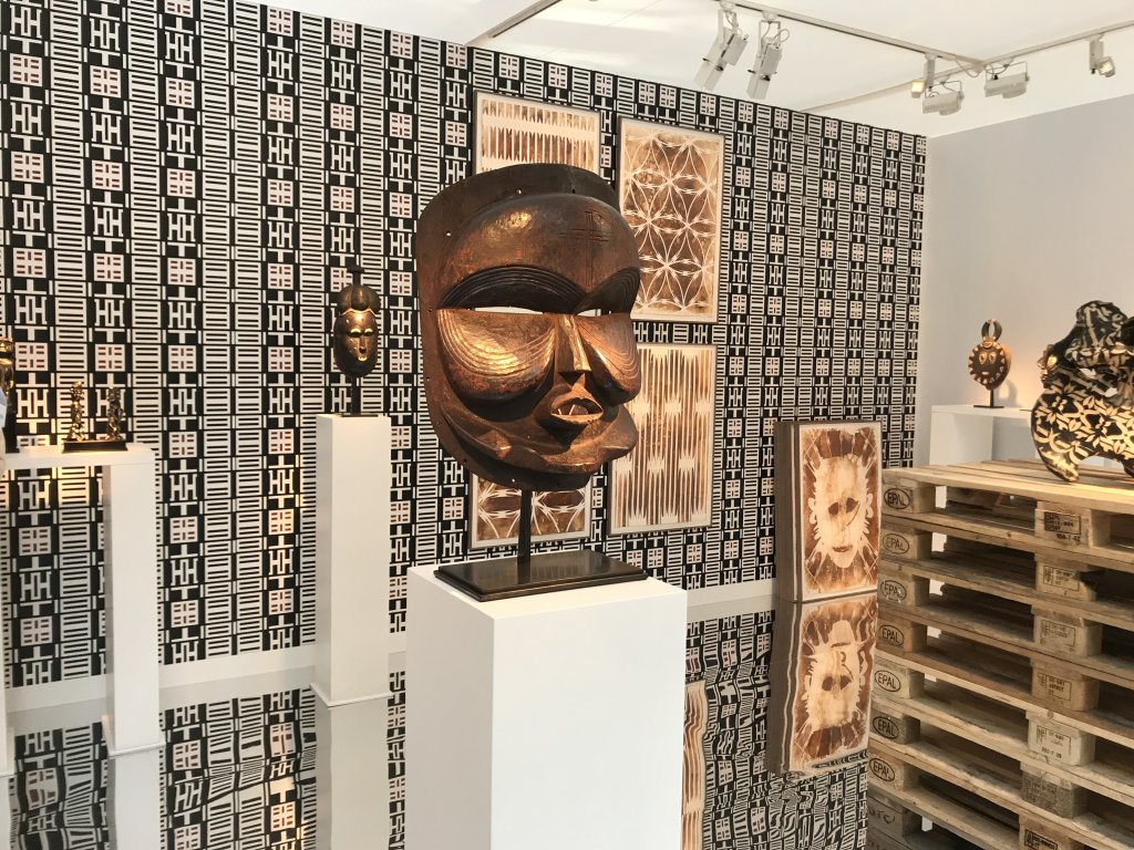 Vue du salon AKAA, Also Known as Africa 2018 - Carreau du Temple (9)