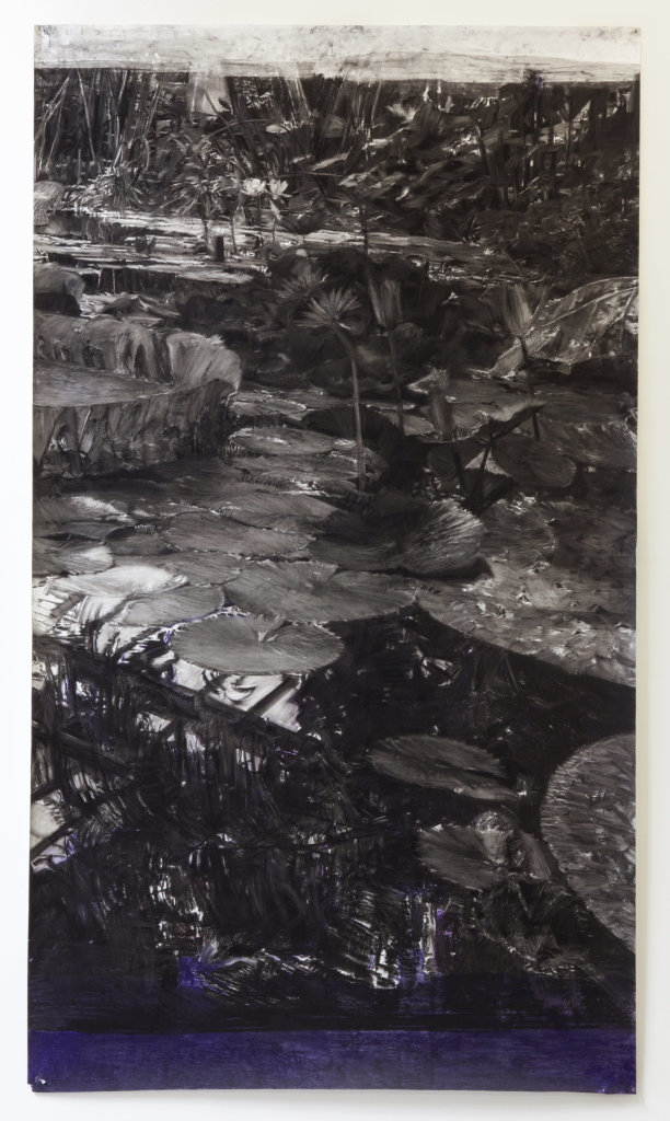 Birde Vanheerswynghels, untitled, 2016 Charbon, pigment et pastel sur papier, 265,5 x 150 cm