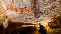 Cave et peintures figuratives récemment découvertes à Borneo, (c) Pindi Setiawan