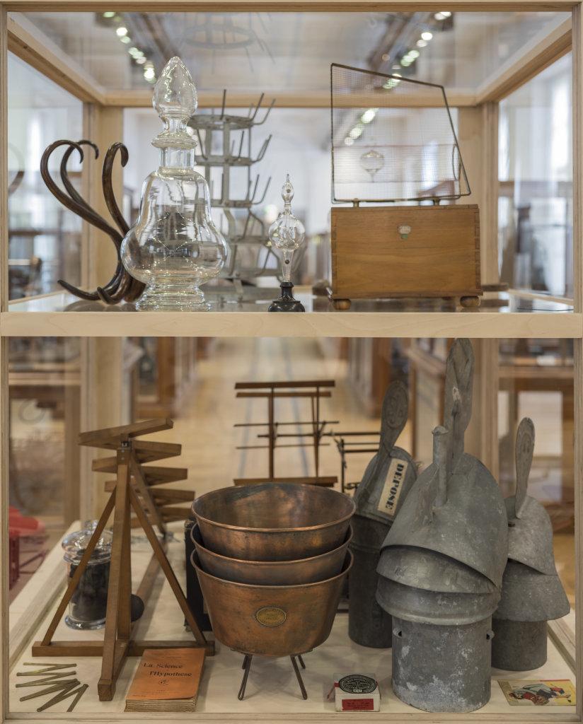 """Visuel de l'Exposition """"Monsieur Duchamp nous à dit que l'on pouvait jouer ici"""""""