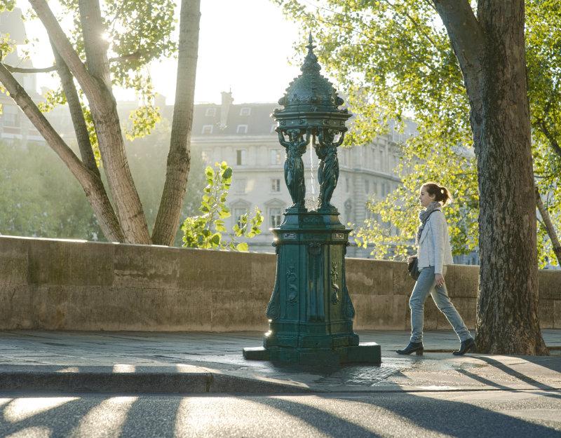Réalisation photographique pour l'affichage Métro et annonces presses - Slogan Campagne COP21 : Derrière cette fontaine, il y a un engagement pour le climat.