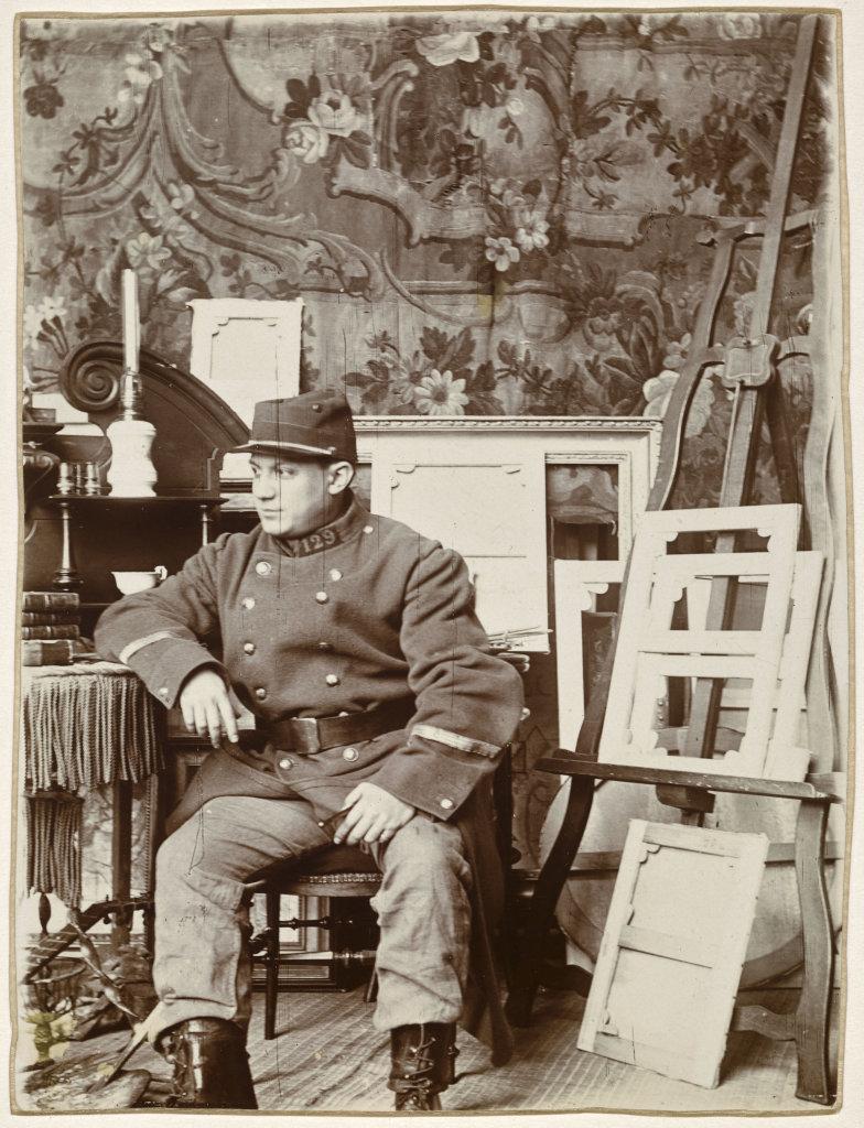 George Braque (1882-1963), Portrait de Picasso portant l'uniforme de Braque, Paris, 1911