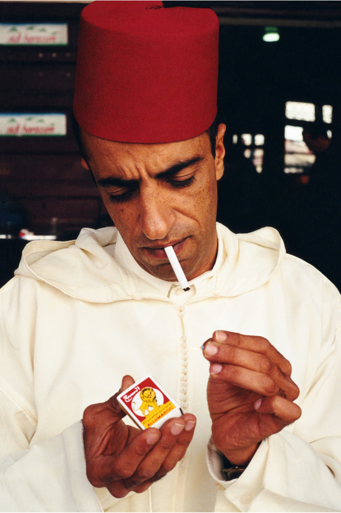 Hassan Hajjaj Untitled De la série «Handprints»
