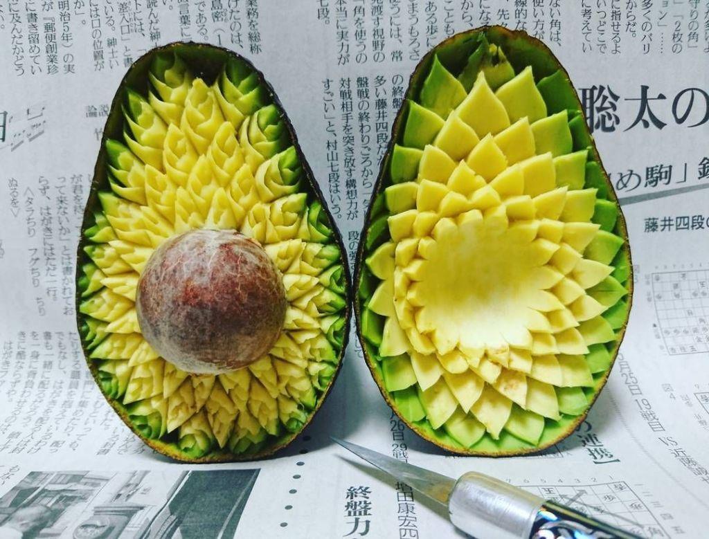 Sculptures sur légumes et fruits 2 © Gaku