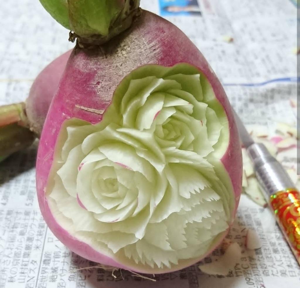Sculptures sur légumes et fruits 3 © Gaku