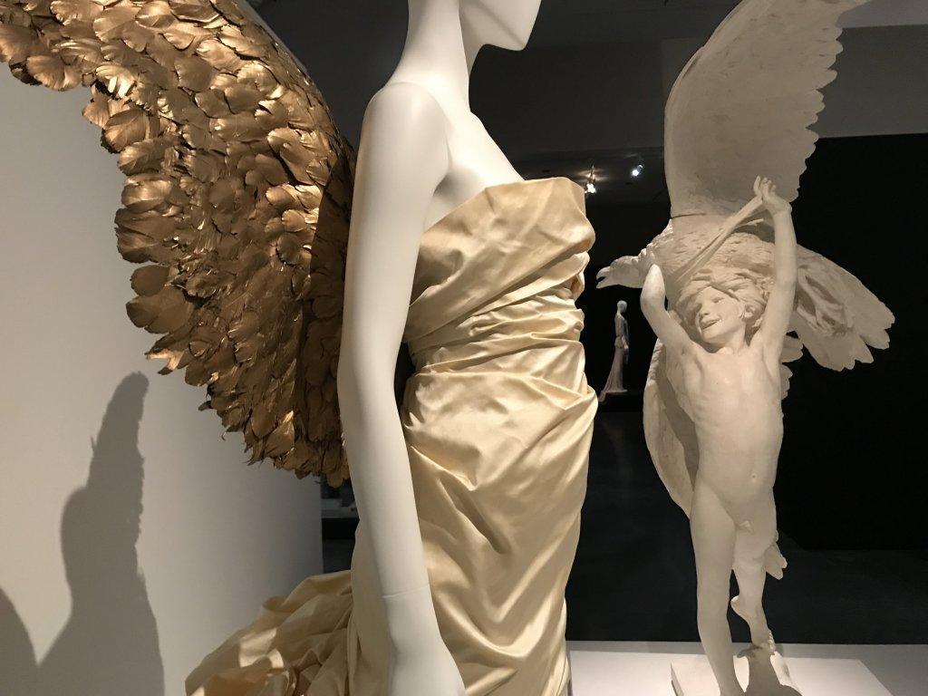 Vue de l'exposition Back Side, Dos à la Mode au Musée Bourdelle à Paris (41)