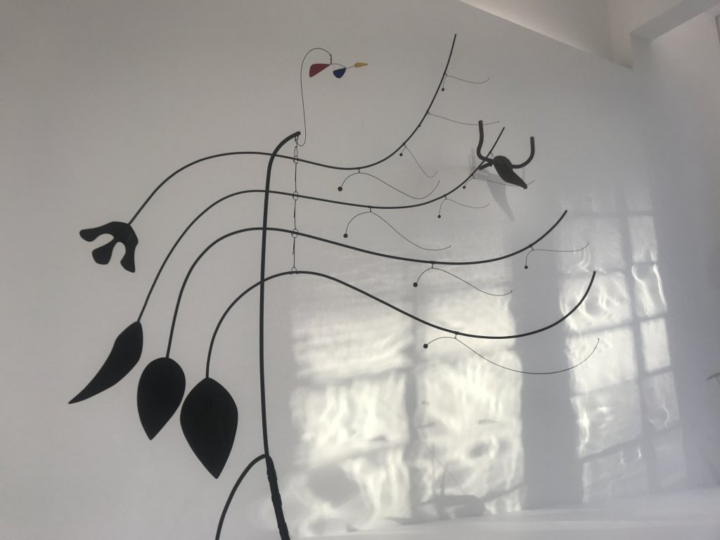 Vue de l'exposition Calder-Picasso, Musée Picasso, Paris (1)
