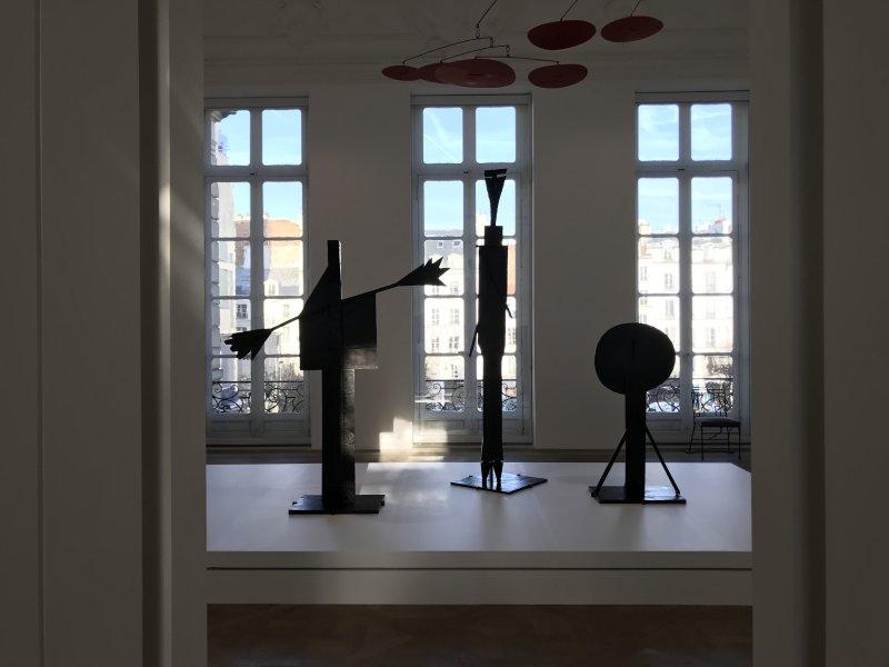 Vue de l'exposition Calder-Picasso, Musée Picasso, Paris (100)