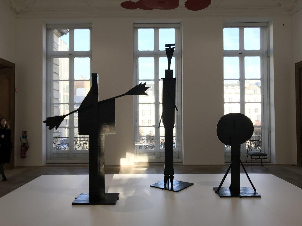 Vue de l'exposition Calder-Picasso, Musée Picasso, Paris (102)