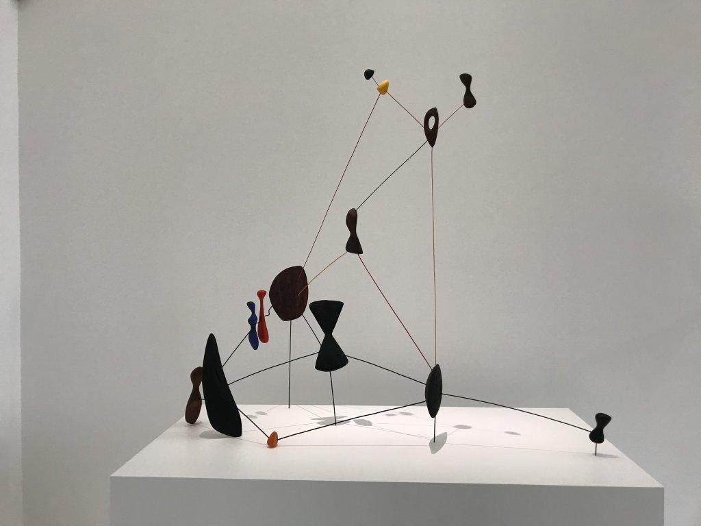 Vue de l'exposition Calder-Picasso, Musée Picasso, Paris (2)
